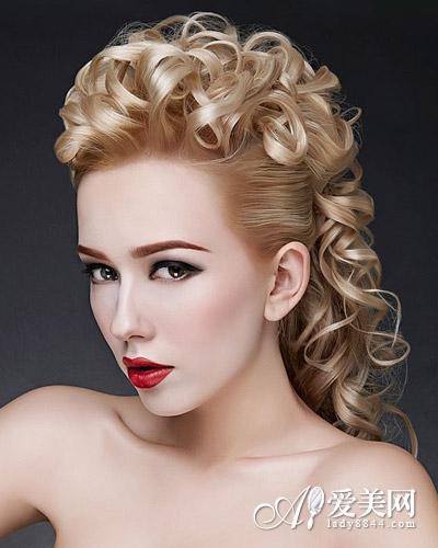 实用查询 生活百科 婚嫁 新娘发型 正文     头发完全收起的新娘盘发