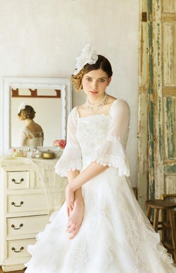 白色欧式高雅气质复古婚纱-新娘礼服-婚嫁百科-婚前