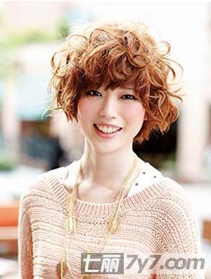 适合方脸女生的短发发型图库 发型设计师为你推荐超搭