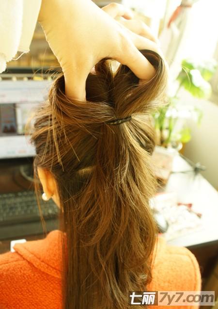 diy浪漫韩式盘发教程图解 打造甜美公主半束发发型