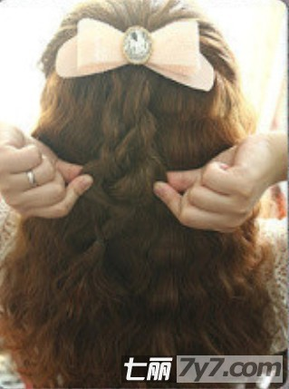 可爱女生蛋卷头发型图片