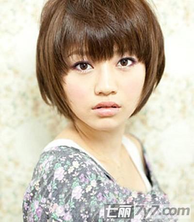 2012下半年流行发型 ol女生短发发型轻松抢镜