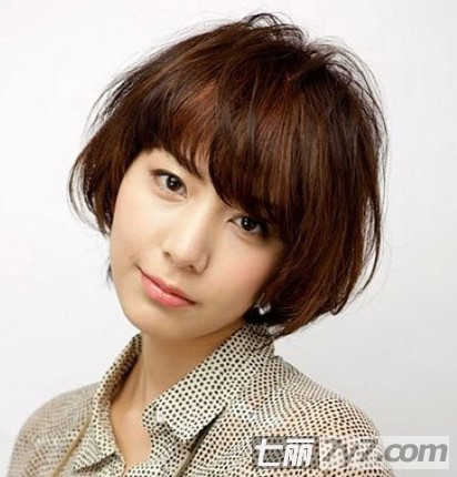 大脸女生适合的发型 减龄短发染发颜色大全