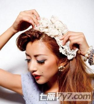 2款超简单复古发型盘发教程 女人优雅气质尽显其中  步骤三:用