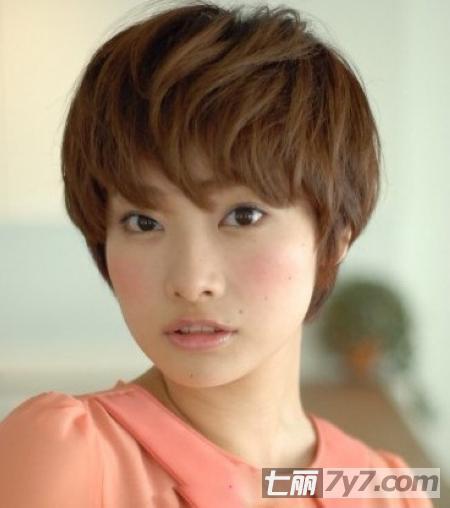 2013春季新女生短发型 瘦脸修颜减龄玩转潮发-短发