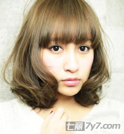 圆脸必知最新显瘦减龄发型 可爱韩式短卷发-短发发型
