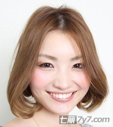 圆脸适合的短发发型图片推荐 蓬松修颜短发魅力无敌