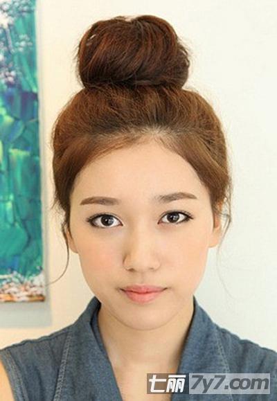 韩式清爽萝莉丸子头 圆脸mm适合的发型-胖脸发型-美容